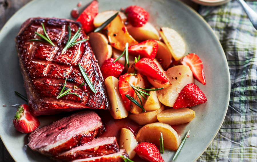 DUCK BREAST LACQUERED WITH STRAWBERRY SYRUP AND SMALL TURNIPS